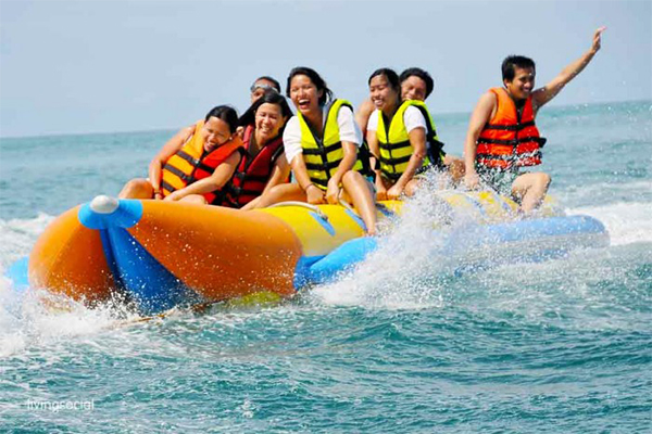 BANANA-BOAT RIDING